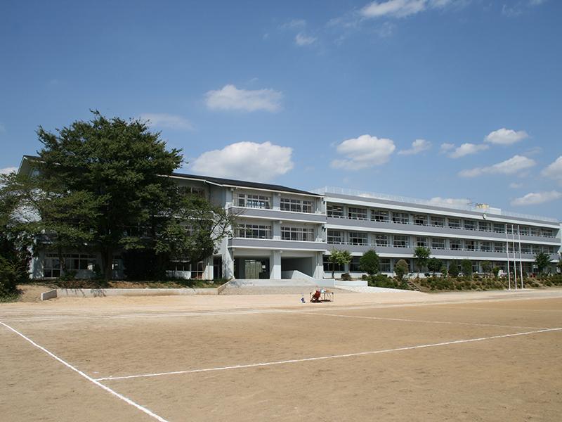 蓮田市立蓮田中学校特別教室棟増築工事(建築)
