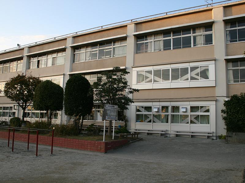 越谷市立南越谷小学校校舎耐震補強工事(建築)